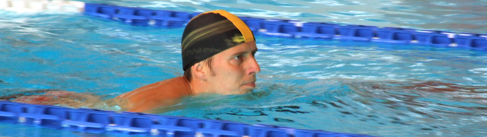 Szentmihályi uszoda - úszó